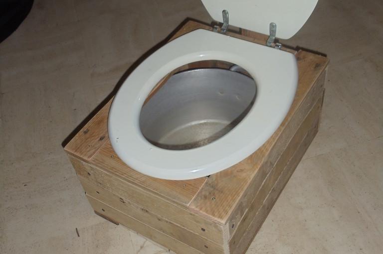 Fabriquer un petit toilette sèche + charnière maison