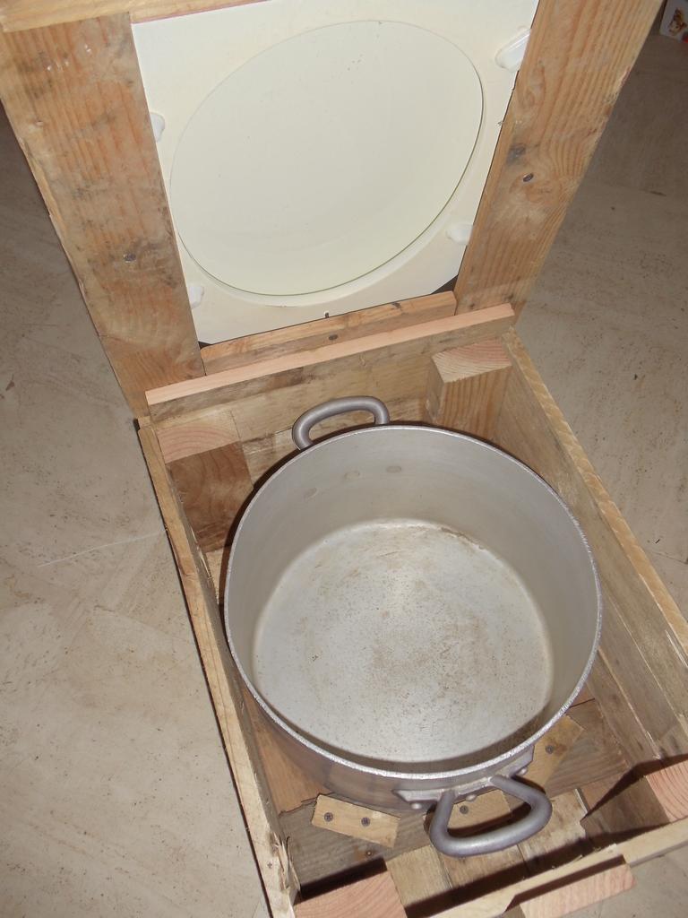 Je passe sur létape de conception de la boîte en bois voici quelques images