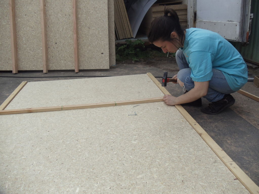 construction de la yourte lambourde plancher david mercereau. Black Bedroom Furniture Sets. Home Design Ideas