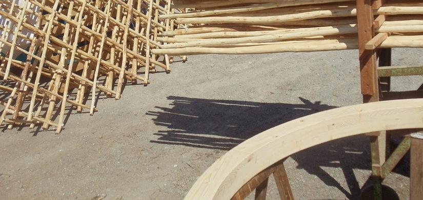 Construction de la yourte : couronne, poteau, montage test & FIN