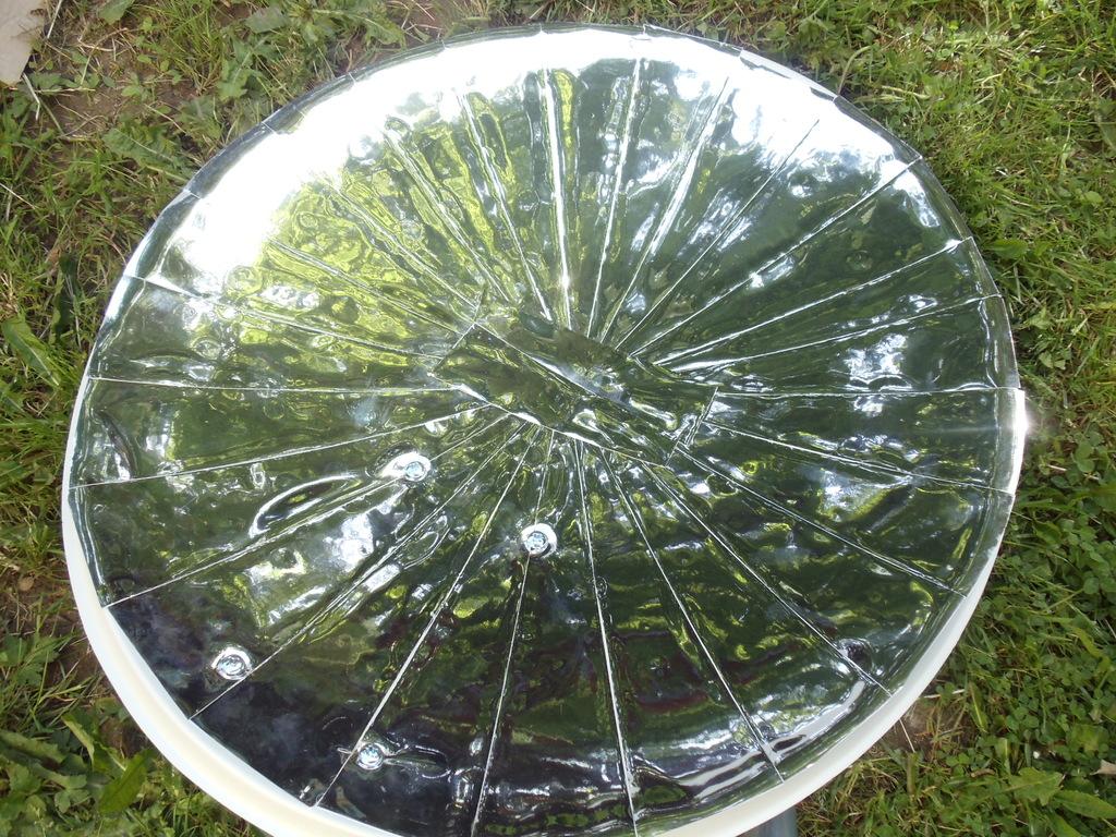 Cuiseur solaire parabolique david mercereau for Miroir solaire parabolique