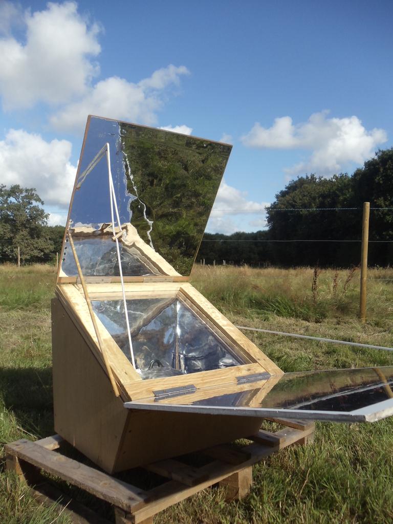 Mon four solaire (cuiseur type boîte) DSC03414